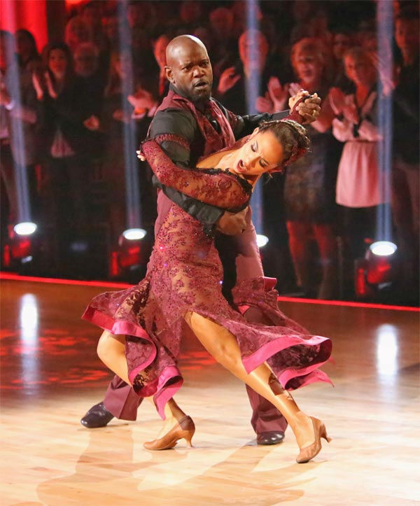 "<div class=""meta image-caption""><div class=""origin-logo origin-image ""><span></span></div><span class=""caption-text"">Retired NFL star Emmitt Smith and his partner Cheryl Burke received 27 out of 30 points from the judges for their Tango on 'Dancing With The Stars: All-Stars' on Monday, Nov. 19, 2012. (ABC Photo/ Adam Taylor)</span></div>"