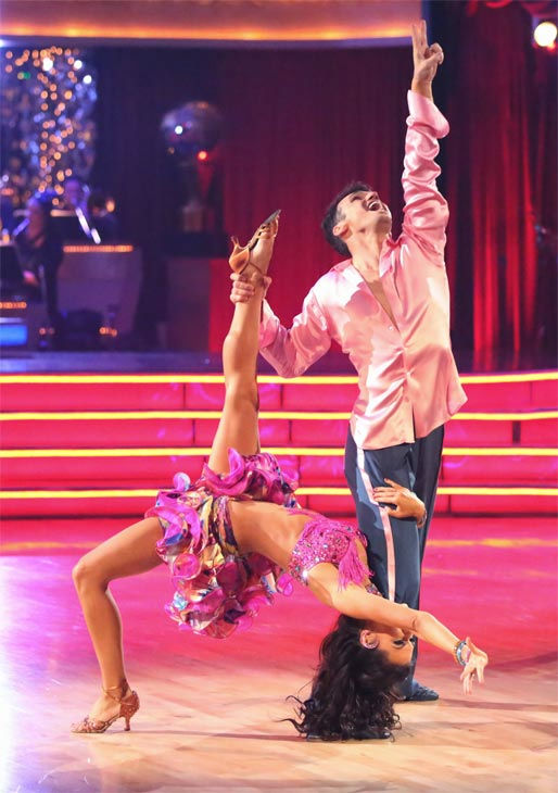 "<div class=""meta image-caption""><div class=""origin-logo origin-image ""><span></span></div><span class=""caption-text"">Reality star Melissa Rycroft and her partner Tony Dovolani received 30 out of 30 points from the judges for their Samba on 'Dancing With The Stars: All-Stars' on Monday, Nov. 26, 2012. (ABC Photo / Adam Taylor)</span></div>"