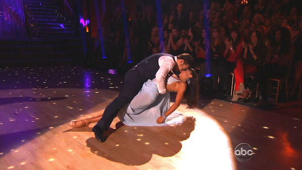 Olympic speed skater Apolo Anton Ohno and his partner Karina Smirnoff returned to the ballroom for the &#39;Dancing With The Stars: All-Stars&#39; finale on November 27, 2012. <span class=meta>(ABC Photo)</span>