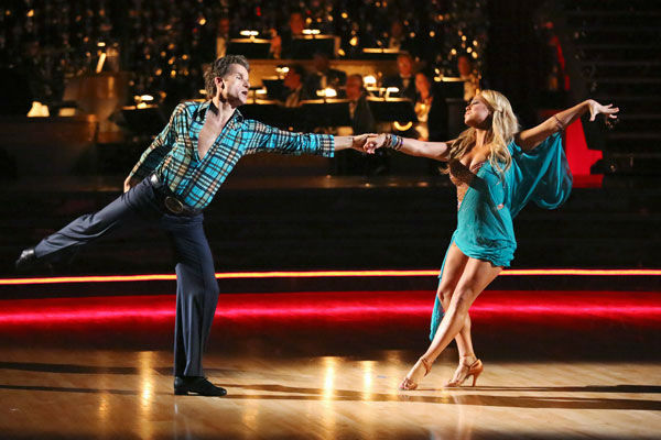 Disney Channel actress Sabrina Bryan and her partner Louis Van Amstel returned to the ballroom for the &#39;Dancing With The Stars: All-Stars&#39; finale on November 27, 2012. <span class=meta>(ABC Photo&#47; Adam Taylor)</span>