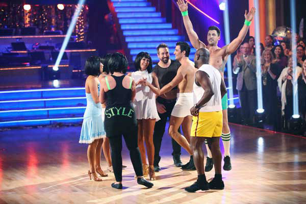 Cast members performed the 'Gangnam Style' group dance from earlier this season for the 'Dancing With The Stars: All-Stars' finale on November 27, 2012.
