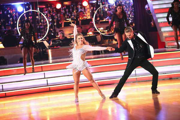 Olympic gymnast Shawn Johnson and her partner Derek Hough performed an encore of their freestyle dance on the &#39;Dancing With The Stars: All-Stars&#39; finale on November 27, 2012. <span class=meta>(ABC Photo&#47; Adam Taylor)</span>