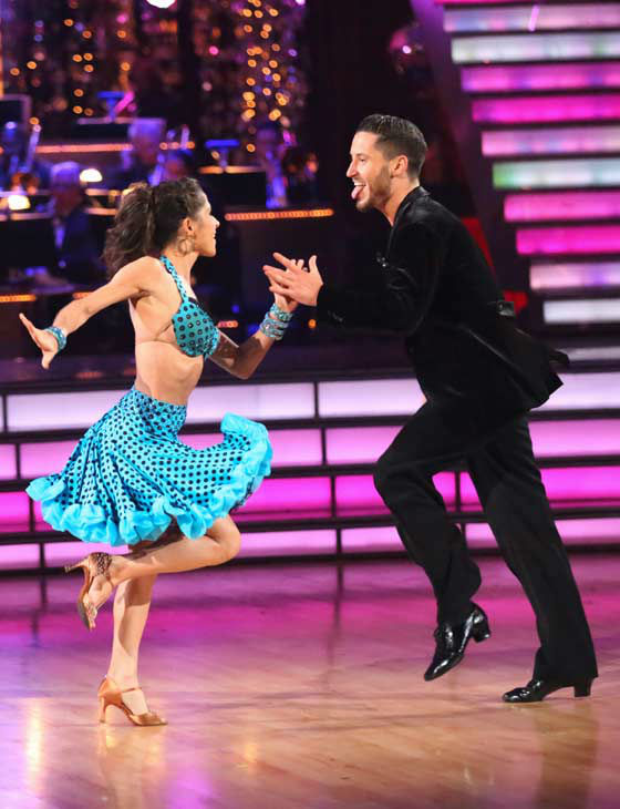 &#39;General Hospital&#39; actress Kelly Monaco and her partner Valentin Chmerkovskiy performed their &#39;Instant Dance&#39; Jive to &#39;Cat and Mouse&#39; on the &#39;Dancing With The Stars: All-Stars&#39; finale on November 27, 2012.  The pair scored 28.5 out of 30 in the Instant Dance. On Monday, Monaco and Chmerkovskiy received 29.5 out of 30 points from the judges for their Paso Doble and 29.5 out of 30 points for their Freestyle. Their total score for two days was 87.5 out of 90. <span class=meta>(ABC Photo&#47; Adam Taylor)</span>