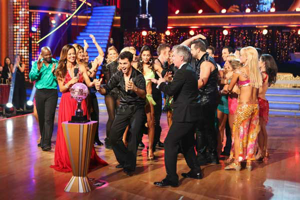 "<div class=""meta image-caption""><div class=""origin-logo origin-image ""><span></span></div><span class=""caption-text"">Reality star Melissa Rycroft and her partner Tony Dovolani react to winning on the 'Dancing With The Stars: All-Stars' finale on November 27, 2012.  The pair scored 28.5 out of 30 in the Instant Dance on Tuesday. On Monday, the two received 30 out of 30 points from the judges for their Samba and 30 out of 30 points for their Freestyle. Their total score for two days was 88.5 out of 90. (ABC Photo/ Adam Taylor)</span></div>"
