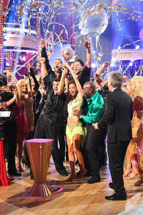 "<div class=""meta ""><span class=""caption-text "">Reality star Melissa Rycroft and her partner Tony Dovolani react to winning on the 'Dancing With The Stars: All-Stars' finale on November 27, 2012.  The pair scored 28.5 out of 30 in the Instant Dance on Tuesday. On Monday, the two received 30 out of 30 points from the judges for their Samba and 30 out of 30 points for their Freestyle. Their total score for two days was 88.5 out of 90. (ABC Photo/ Adam Taylor)</span></div>"