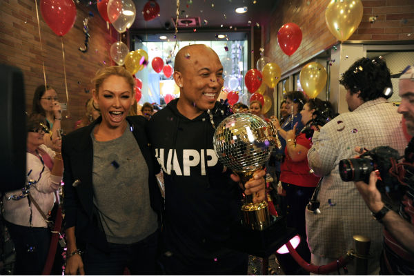 &#39;Dancing With The Stars&#39; winners Hines Ward and Kym Johnson appear on ABC&#39;s &#39;Good Morning America&#39; on May 25, 2011. <span class=meta>(ABC &#47; Donna Svennevik)</span>