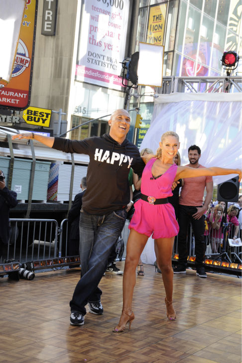 "<div class=""meta ""><span class=""caption-text "">'Dancing With The Stars' winners Hines Ward and Kym Johnson appear on ABC's 'Good Morning America' on May 25, 2011. (ABC / Donna Svennevik)</span></div>"