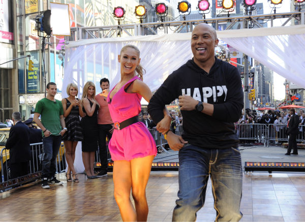'Dancing With The Stars' winners Hines Ward and Kym Johnson appear on ABC's 'Good Morning America' on May 25, 2011.