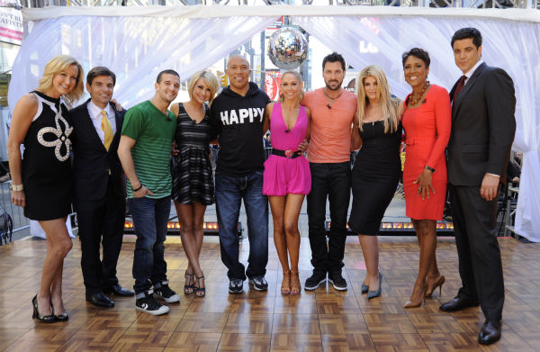 "<div class=""meta image-caption""><div class=""origin-logo origin-image ""><span></span></div><span class=""caption-text"">'Dancing With The Stars' winners Hines Ward and Kym Johnson join finalists Kirstie Alley, Maksim Chmerkovskiy, Chelsea Kane and Mark Ballas on ABC's 'Good Morning America' on May 25, 2011. (ABC / Donna Svennevik)</span></div>"