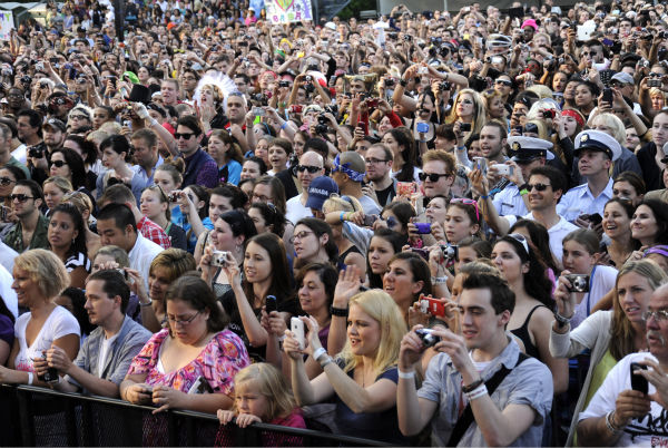 Fans watch Lady Gaga performing live in Central Park to kick off the &#39;GMA Summer Concert Series,&#39; which aired on &#39;Good Morning America&#39; on May 27, 2011. <span class=meta>(ABC &#47; Donna Svennevik)</span>