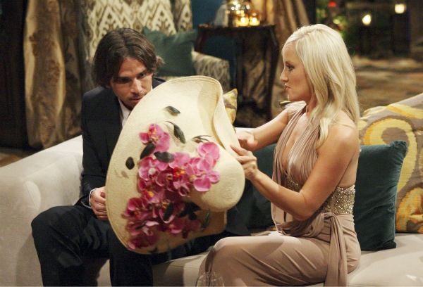 "<div class=""meta ""><span class=""caption-text "">Holly and Ben Flajnik appear in a scene from the premiere of the 16th season of ABC's 'The Bachelor,' which airs on Jan. 2, 2012. (ABC / Rick Rowell)</span></div>"