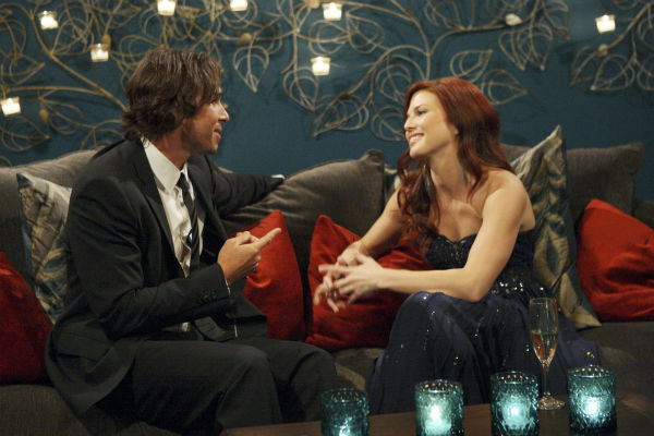 Jennifer and Ben Flajnik appear in a scene from the premiere of the 16th season of ABC&#39;s &#39;The Bachelor,&#39; which airs on Jan. 2, 2012. <span class=meta>(ABC &#47; Rick Rowell)</span>