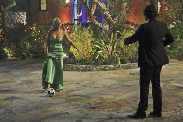 "<div class=""meta ""><span class=""caption-text "">Shawn and Ben Flajnik appear in a scene from the premiere of the 16th season of ABC's 'The Bachelor,' which airs on Jan. 2, 2012. (ABC / Rick Rowell)</span></div>"