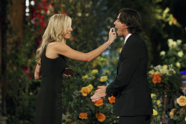 "<div class=""meta ""><span class=""caption-text "">Emily and Ben Flajnik appear in a scene from the premiere of the 16th season of ABC's 'The Bachelor,' which airs on Jan. 2, 2012. (Photo/Rick Rowell)</span></div>"