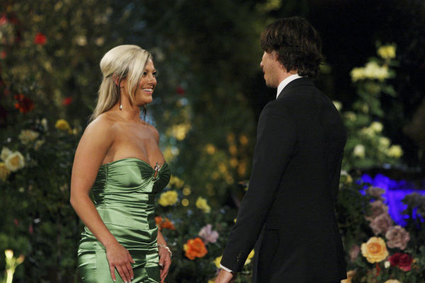 Shawn and Ben Flajnik appear in a scene from the premiere of the 16th season of ABC&#39;s &#39;The Bachelor,&#39; which airs on Jan. 2, 2012. <span class=meta>(ABC &#47; Rick Rowell)</span>