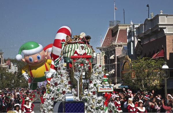 Deck the castles with boughs of holly, and tune in as Disneyland Resort in California and Walt Disney World Resort in Florida present the 28th annual &#39;Disney Parks Christmas Day Parade&#39; TV special, airing Sunday, December 25 &#40;check local listings&#41; on the ABC Television Network.  <span class=meta>(Disneyland &#47; Paul Hiffmeyer)</span>