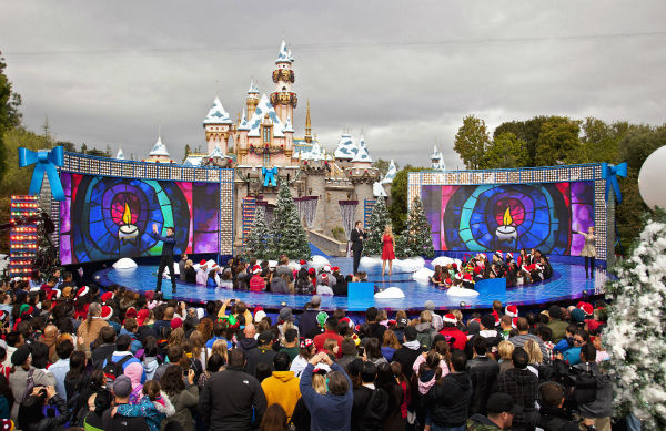 "<div class=""meta image-caption""><div class=""origin-logo origin-image ""><span></span></div><span class=""caption-text"">Deck the castles with boughs of holly, and tune in as Disneyland Resort in California and Walt Disney World Resort in Florida present the 28th annual 'Disney Parks Christmas Day Parade' TV special, airing Sunday, December 25 (check local listings) on the ABC Television Network.  (Disneyland / Paul Hiffmeyer)</span></div>"