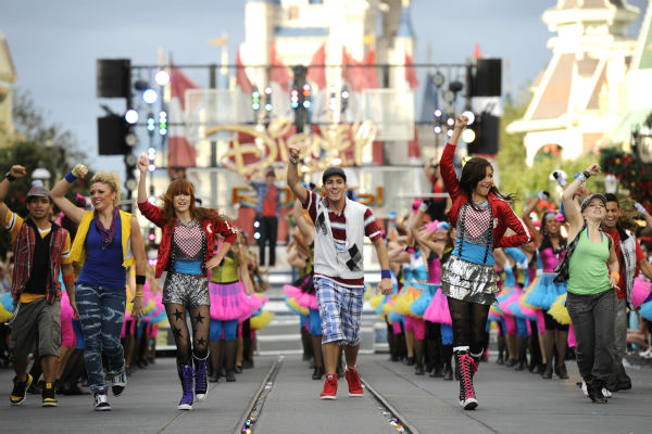 Zendaya Coleman and Bella Thorne from the &#39;Disney Channel&#39; series &#39;Shake I Up!&#39; appear at the 2011 Disney Parks Christmas Day Parade at Walt Disney World&#39;s Magic Kingdom in Florida. The special airs Christmas Day, at various times across the country, on ABC.  <span class=meta>(Disney &#47; Mark Ashman)</span>