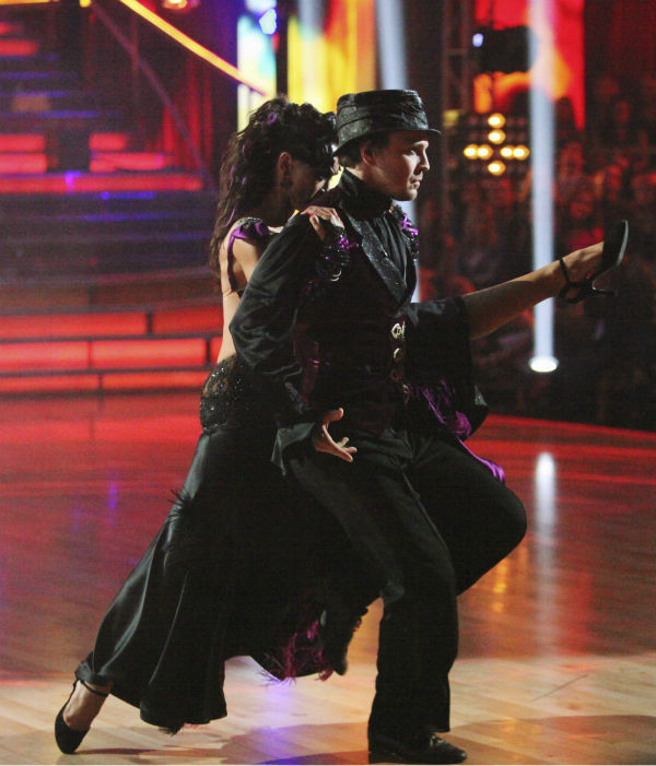 "<div class=""meta ""><span class=""caption-text "">Singer Gavin DeGraw and his partner Karina Smirnoff received 23 out of 30 points from the judges for their Tango on week 4 of 'Dancing With The Stars' on April 9, 2012. (ABC Photo / Adam Taylor)</span></div>"