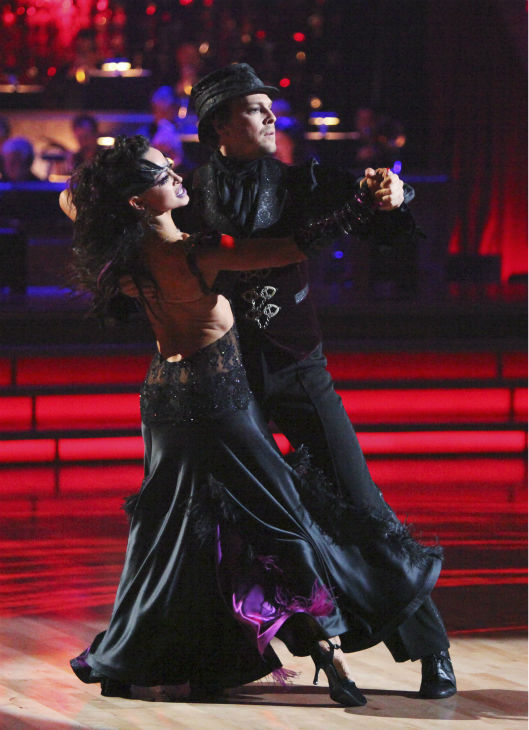 Singer Gavin DeGraw and his partner Karina Smirnoff received 23 out of 30 points from the judges for their Tango on week 4 of 'Dancing With The Stars' on April 9, 2012.