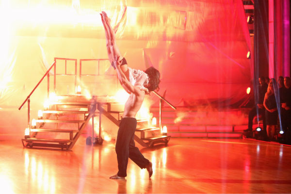 "<div class=""meta image-caption""><div class=""origin-logo origin-image ""><span></span></div><span class=""caption-text"">'General Hospital' actress Kelly Monaco and her partner Valentin Chmerkovskiy received 37.5 out of 40 points from the judges for their Contemporary on 'Dancing With The Stars: All-Stars,' which aired on October 15, 2012. (ABC Photo / Adam Taylor)</span></div>"