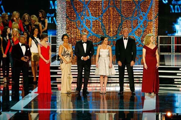 Daymond John, Miss America 2009 - Katie Stam Irk, Cheryl Burke, Sam Champion, Mckayla Maroney, Bradley Bayou, Mary Hart appear during &#39;The 2013 Miss America Pageant&#39; telecast live from the Planet Hollywood Resort and Casino in Las Vegas on Saturday, January 12, 2013. <span class=meta>(ABC Photo&#47; Craig Sjodin)</span>