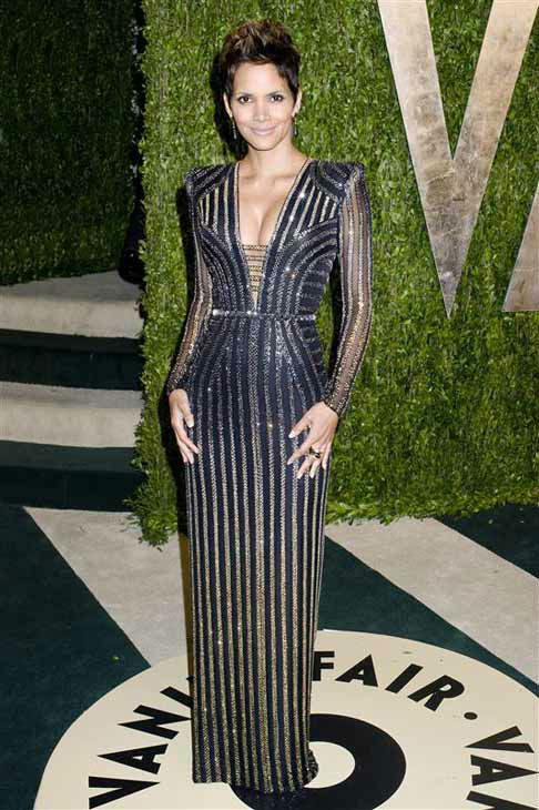 "<div class=""meta ""><span class=""caption-text "">Halle Berry appears at the 2013 Vanity Fair Oscar Party in Los Angeles, California on Feb. 24, 2013.  (Justin Campbell / startraksphoto.com)</span></div>"