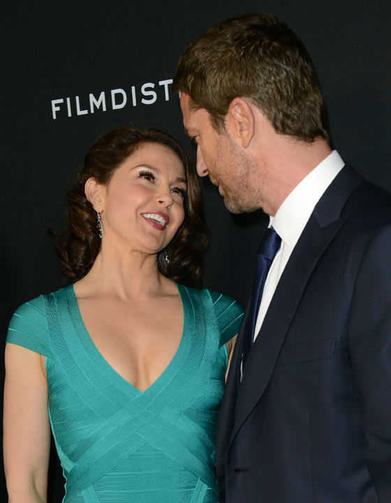 Ashley Judd and Gerard Butler pose at the LA...