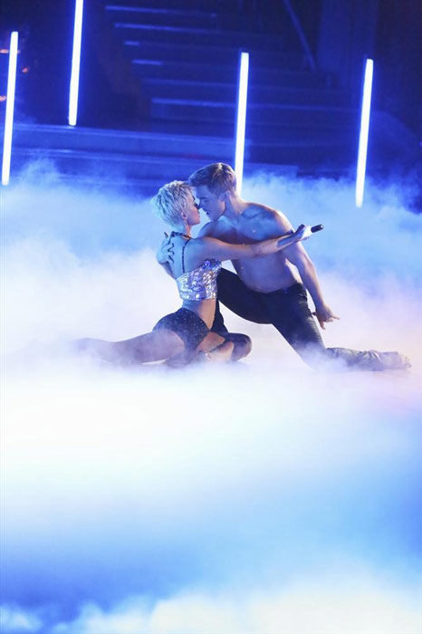 "<div class=""meta image-caption""><div class=""origin-logo origin-image ""><span></span></div><span class=""caption-text"">Singer and former 'American Idol' contestant Kellie Pickler and her partner Derek Hough received 26 out of 30 points from the judges for their Jazz routine on week 2 of 'Dancing With The Stars,' which aired on March 25, 2013. They received a total of 47 out of 60 points for the past two weeks of performances.  (ABC Photo / Adam Taylor)</span></div>"