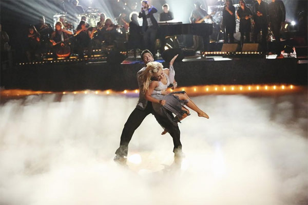 Josh Groban performs on the first results show for &#39;Dancing With The Stars&#39; season 16, which aired on March 26, 2013.  <span class=meta>(ABC Photo &#47; Adam Taylor)</span>