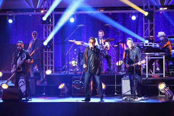 Huey Lewis &#38; the News performed their single &#39;The Heart of Rock &#38; Roll&#39; on &#39;Dancing With The Stars: The Results Show&#39; on April 2, 2013. The group was accompanied by the &#39;Dancing With The Stars&#39; troupe. <span class=meta>(ABC Photo&#47; Adam Taylor)</span>