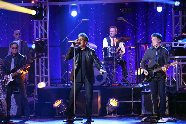 Huey Lewis & the News performed their single 'The Heart of Rock & Roll' on 'Dancing With The Stars: The Results Show' on April 2, 2013.