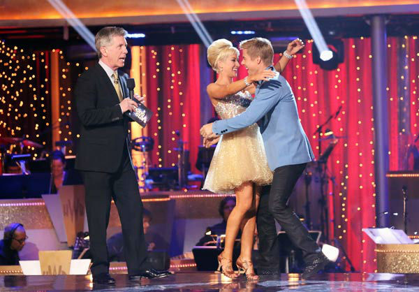 Singer and former &#39;American Idol&#39; contestant Kellie Pickler and her partner Derek Hough react to being safe from elimination on &#39;Dancing With The Stars: The Results Show&#39; on April 2, 2013. The pair received 25 out of 30 points from the judges for their Jive on week three of &#39;Dancing With The Stars,&#39; which aired on April 1, 2013. <span class=meta>(ABC Photo&#47; Adam Taylor)</span>