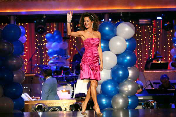 Brooke Burke-Charvet appears on 'Dancing With The Stars' on April 1, 2013.