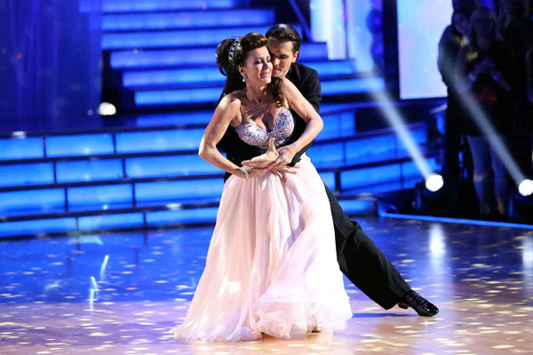 "<div class=""meta image-caption""><div class=""origin-logo origin-image ""><span></span></div><span class=""caption-text"">'Real Housewives of Beverly Hills' star Lisa Vanderpump and her partner Gleb Savchenko received 21 out of 30 points from the judges for their Viennese Waltz during week three of 'Dancing With The Stars,' which aired on April 1, 2013. (ABC Photo/ Adam Taylor)</span></div>"