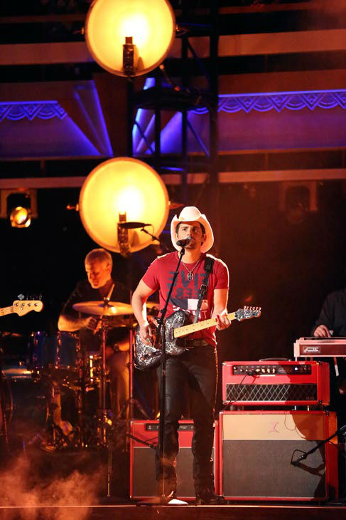 "<div class=""meta ""><span class=""caption-text "">Brad Paisley performed his recent No. 1 single 'Southern Comfort Zone' on 'Dancing With The Stars: The Results Show' on April 9, 2013.  (ABC Photo/ Adam Taylor)</span></div>"