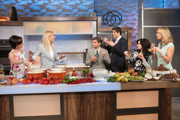 Demi Lovato and Gwyneth Paltrow appear with 'Good Morning America' hosts George Stephanopoulos, Josh Elliott, Lara Spencer and guest host Elizabeth Vargas on April 10, 2013.