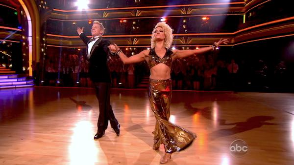 Former &#39;Bachelor&#39; star Sean Lowe and his partner Peta Murgatroyd dance the Quickstep alongside pro dancers Tristan MacManus and Chelsie Hightower on week five of &#39;Dancing With The Stars&#39; on April 15, 2013. They received 24 out of 30 points from the judges. <span class=meta>(ABC Photo &#47; Adam Taylor)</span>