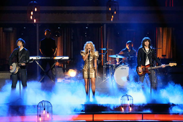 The Band Perry performs their hit No. 1 song &#39;Better Dig Two&#39; on &#39;Dancing With The Stars: The Results Show&#39; on April 16, 2013. <span class=meta>(ABC&#47;Adam Taylor)</span>