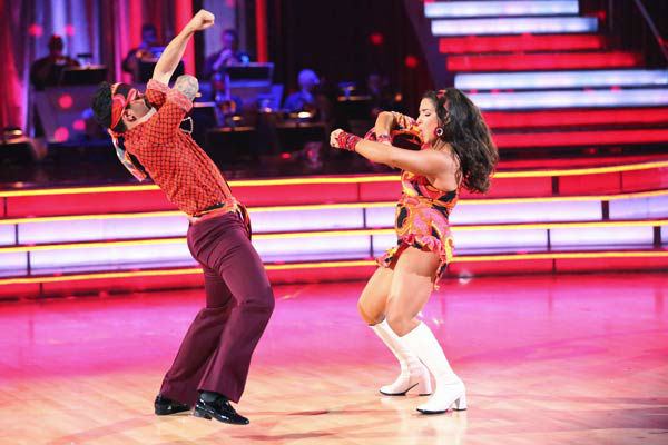 Aly Raisman, Andy Dick, Sean Lowe, Kellie Pickler and their partners perform a team Samba dance on week six of 'Dancing With The Stars,' which aired on April 22, 2013.