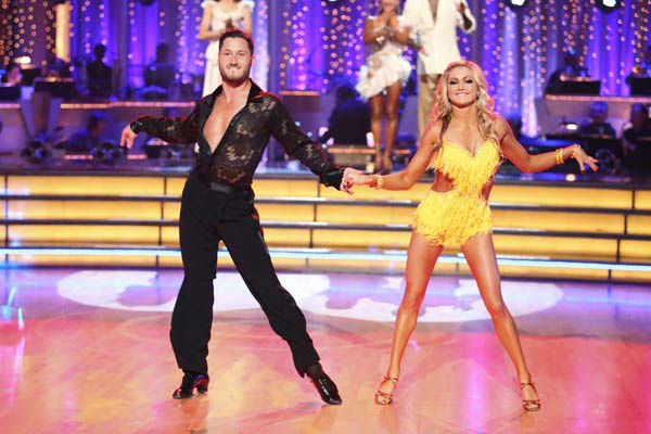 "<div class=""meta image-caption""><div class=""origin-logo origin-image ""><span></span></div><span class=""caption-text"">The Pros perform an ensemble dance on 'Dancing With The Stars: The Results Show' on April 30, 2013. (ABC Photo/ Adam Taylor)</span></div>"