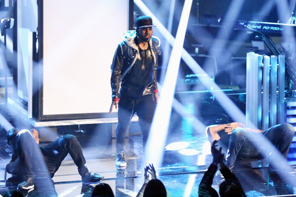 "<div class=""meta ""><span class=""caption-text "">Jason Derulo performs his current single 'The Other Side' on 'Dancing With The Stars: The Results Show' on May 7, 2013. (ABC Photo/ Adam Taylor)</span></div>"