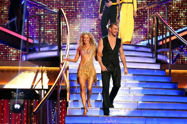 Actor Ingo Rademacher and partner Kym Johnson appear on week 9 of &#39;Dancing With The Stars&#39; on May 13, 2013. <span class=meta>(ABC Photo&#47; Adam Taylor)</span>