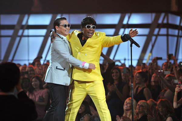 Psy and Tracy Morgan took part in a &#40;hilarious&#41; skit at the Billboard Music Awards at the MGM Grand Garden Arena on Sunday, May 19, 2013 in Las Vegas. <span class=meta>(Photo&#47;Vince Bucci &#47; ABC)</span>