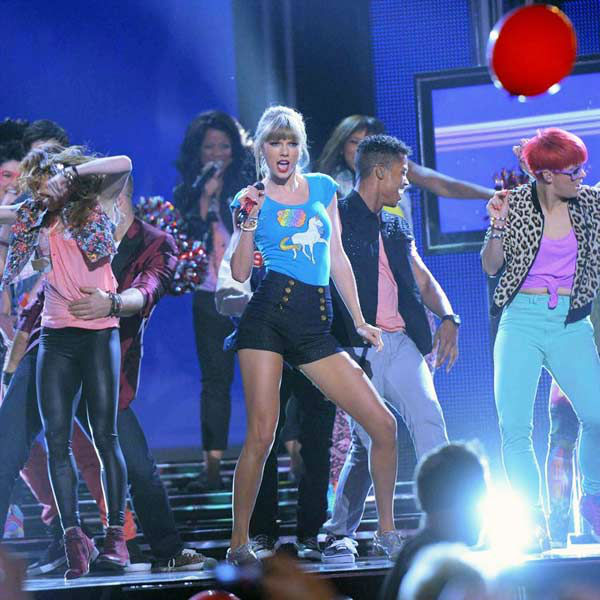 Taylor Swift performed her song &#39;22&#39; -- for the first time on live television -- at the Billboard Music Awards at the MGM Grand Garden Arena on Sunday, May 19, 2013 in Las Vegas.  The songstress&#39; epic performance began with a backstage feature that showed her in her dressing room, playfully dancing out of it and engaging in a number of fun hijinks. While the performance ended with a creative mob scene that occurred center stage, the best part was perhaps in her acceptance speech for Top Artist.  &#34;You are the longest and best relationship I&#39;ve ever had,&#34; she playfully told the audience. <span class=meta>(Photo&#47;Albert Ferreira &#47; ABC)</span>