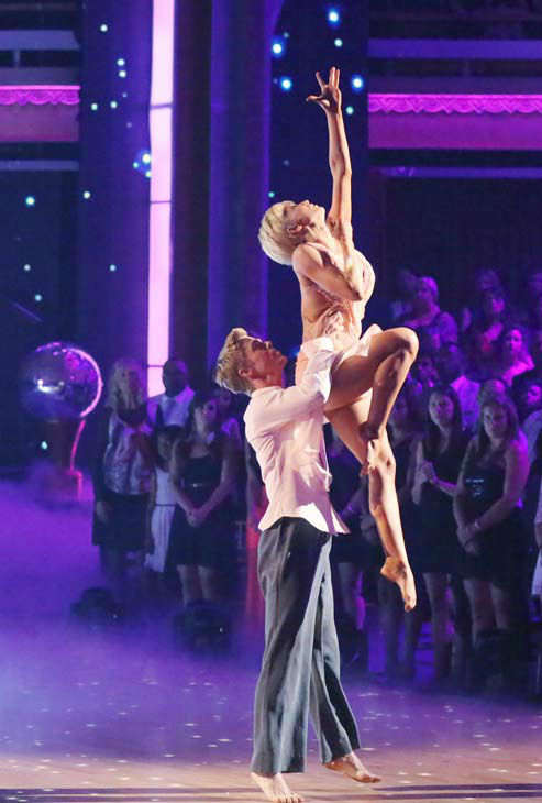 Kellie Pickler and partner Derek Hough received 30 out of 30 points from the judges for their freestyle dance during week 10 of &#39;Dancing With The Stars,&#39; which aired on May 20, 2013. Their night&#39;s cumulative score was 64 out of 65 points. <span class=meta>(ABC Photo&#47; Adam Taylor)</span>