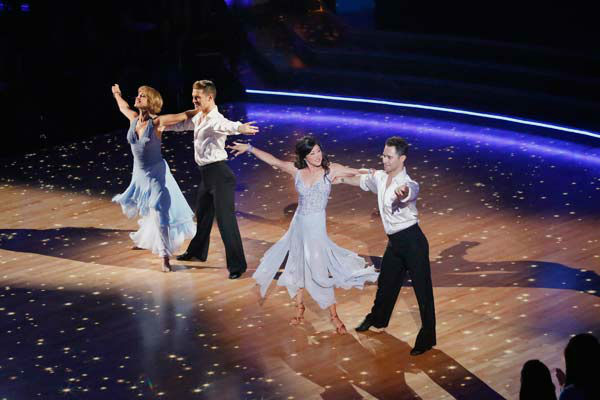 Former contestants Dorothy Hamill and Kristi Yamaguchi perform with Henry Byalikov and Sasha Farber on the &#39;Dancing With The Stars&#39; season 16 finale on May 21, 2013. <span class=meta>(ABC Photo&#47; Kelsey McNeal)</span>