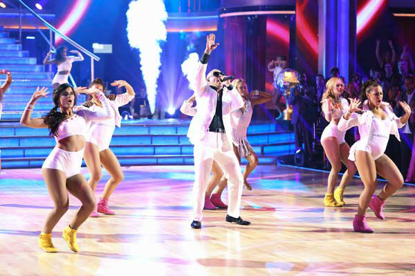 "<div class=""meta image-caption""><div class=""origin-logo origin-image ""><span></span></div><span class=""caption-text"">Pitbull performs his single 'Hands Up' on the 'Dancing With The Stars' season 16 finale on May 21, 2013. (ABC Photo/ Adam Taylor)</span></div>"