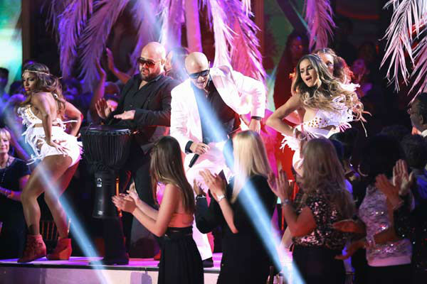 Pitbull performs his single &#39;Hands Up&#39; on the &#39;Dancing With The Stars&#39; season 16 finale on May 21, 2013. <span class=meta>(ABC Photo&#47; Adam Taylor)</span>