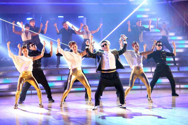 PSY performs his new song &#39;Gentlemen&#39; on the &#39;Dancing With The Stars&#39; season 16 finale on May 21, 2013. <span class=meta>(ABC Photo&#47; Adam Taylor)</span>